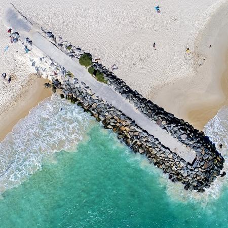 021 - Jason Mazur - 'City Beach Groyne'