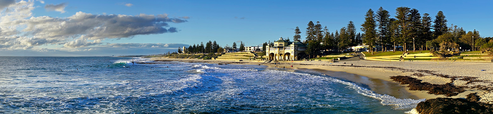 Jason Mazur - 'Winter Swell, Cottesloe Beach 006'