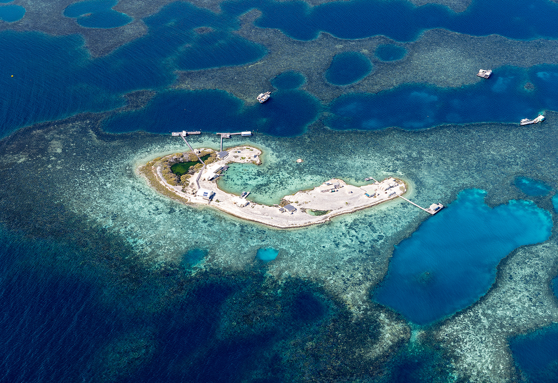 DSF3270 - Abrolhos Islands Aerial